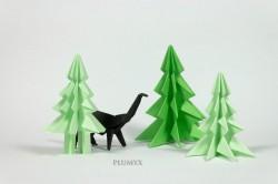 Apatosaurus de origami expuesto en la tienda
