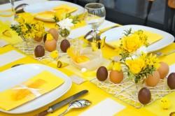 Como-decorar-la-mesa-para-Pascua-2