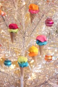 paper-ice-cream-cone-ornaments-199x300