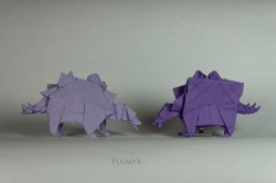 044_Estegosaurus_pareja