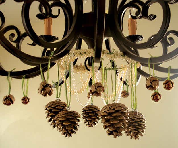 Decoraci n de navidad con pi as plumyx - Manualidades navidad con pinas ...