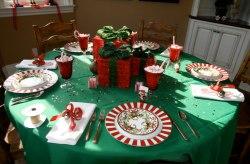 duelo-decoracion-navidena-en-rojo-y-verde-vs-dorados-y-plateados2