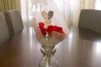 087_Ramo Rosas_rojas y blanca jarron