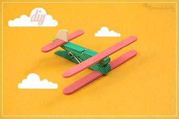 http://www.imujer.com/hogar/7423/11-increibles-ideas-creativas-para-reciclar-palitos-de-helado