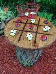 http://www.imujer.com/hogar/7556/10-manualidades-que-puedes-hacer-con-piedras-y-quedan-hermosas