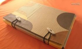 http://www.manualidadeson.com/carpeta-casera-de-carton.html