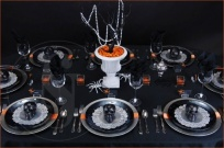 http://www.nosotras.com/decoracion/ideas-de-decoracion-express-para-la-mesa-de-halloween-492906