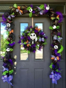 http://trucosyastucias.com/decorar-reciclando/decoracion-halloween-casera