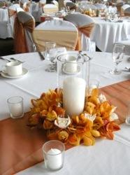 http://decoracionbodas.net/2016/08/4-centros-de-mesa-de-boda-con-flores-de-otono/