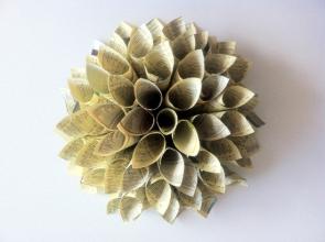 resultado-tutorial-diy-corona-flor-dalia-papel