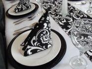 http://www.hispabodas.com/muebles-y-decoracion/fotos-bodas-en-blanco-y-negro/35047