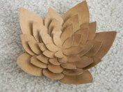 http://i24mujer.com/en-video-haz-preciosas-flores-decorativas-con-tubos-de-carton-reciclados
