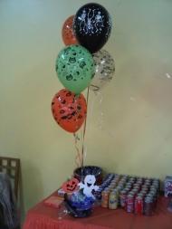 http://www.partyland.es/tienda/producto12319/globos_29-centro-de-mesa-globos-halloween/