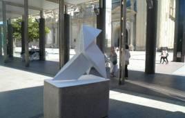 http://www.heraldo.es/noticias/aragon/zaragoza_provincia/zaragoza/2014/07/23/una_nueva_escultura_para_plaza_del_pilar_301135_301.html